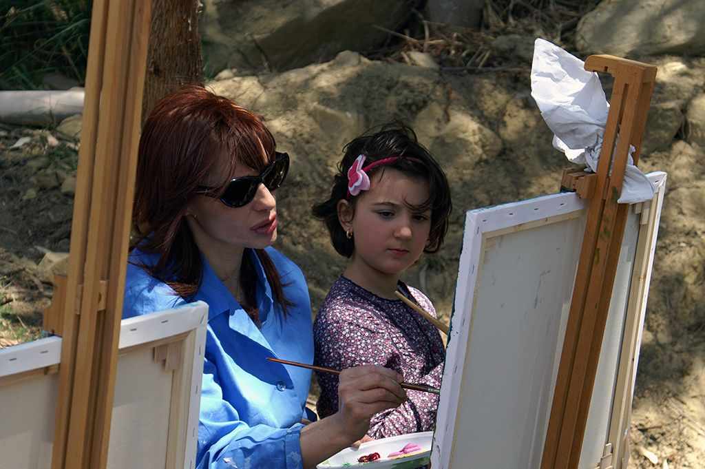 I bambini imparano a dipingere