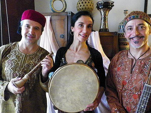 La serata sarà allietata da un gruppo musicale che proporrà musiche etniche