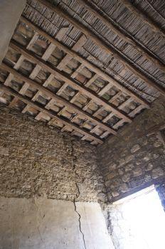 Particolare del soffitto della masseria adiacente al Castello di Resuttano