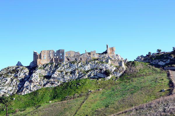 Castello di Pietraperzia in provincia di Caltanissetta