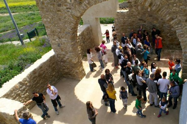 Il Casale di Emma accompagna gli ospiti in visita al Castello di Resuttano